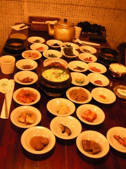 韓国のたくさん並んだ家庭料理を体験してみたかった