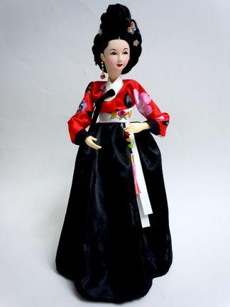 仁寺洞で買ったファン・ジニ人形