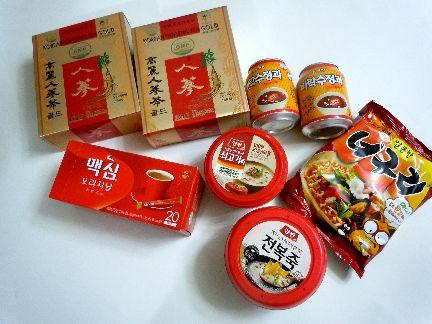 韓国食品を買ったら赤い色ばっかり目立つね